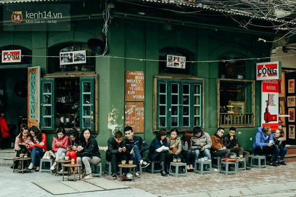 A popular chill place Cong Cafe Nha Tho