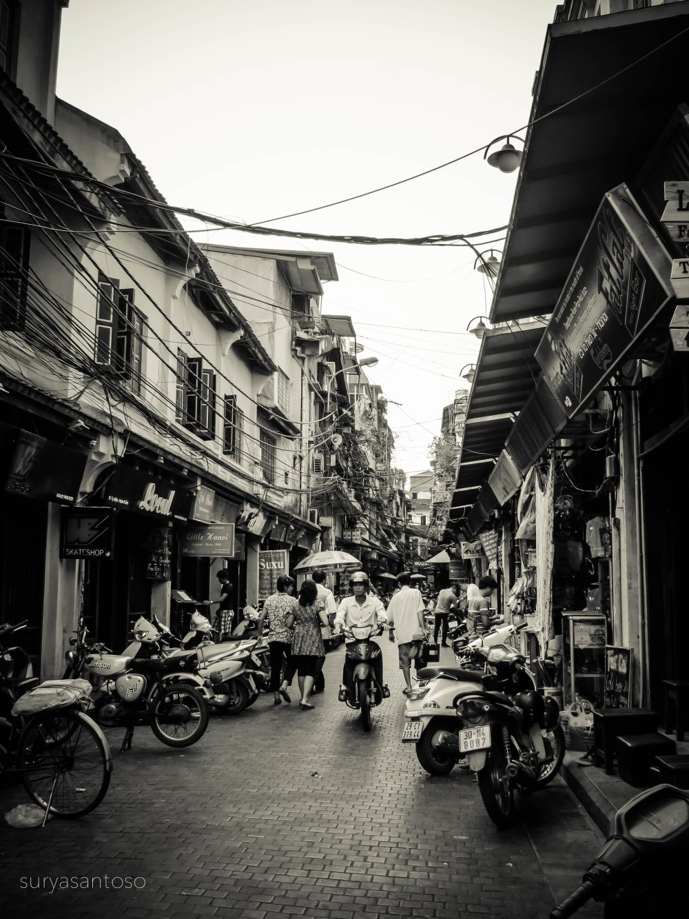 A photo of Ta Hien St. in black and white. Photo courtesy to Surya Santoso