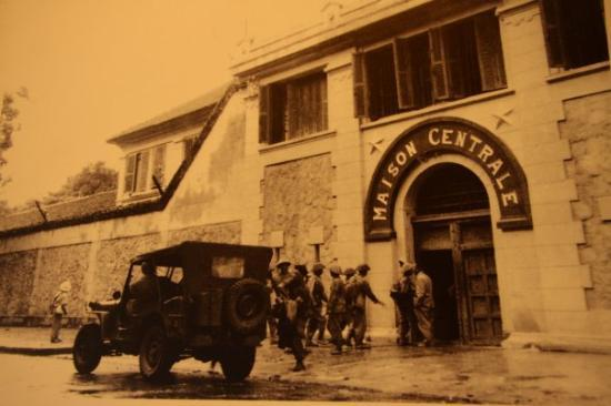 Hoa Lo Prison in the old time
